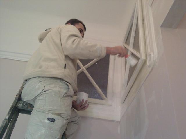 Munkájára igényes festő Profi lakásfelújítás